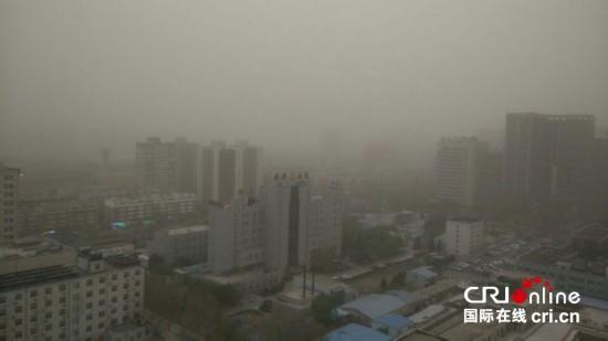 北京发布沙尘蓝色预警 夜间有较严重沙尘天气(组图)