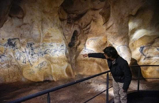 6万年前史前洞穴壁画复制品曝光