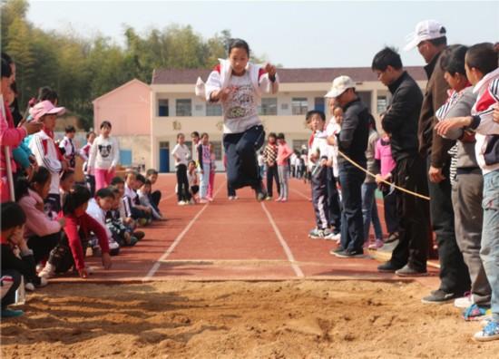 广德县柏垫镇凤桥小学举行第二届田径运动英语自我介绍小学图片