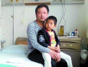 男童患先天性胆道闭锁父亲接力母亲割肝救子