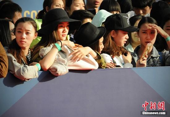 第五届北京国际电影节红毯美人颜值大比拼捆绑美女军装图片