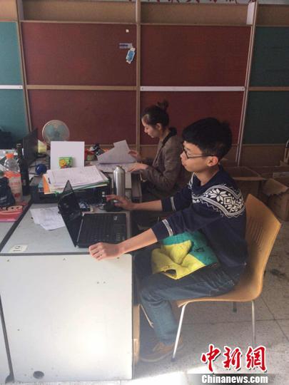 """浙江大三学生创业一年为母亲买房跻身""""高富帅"""""""