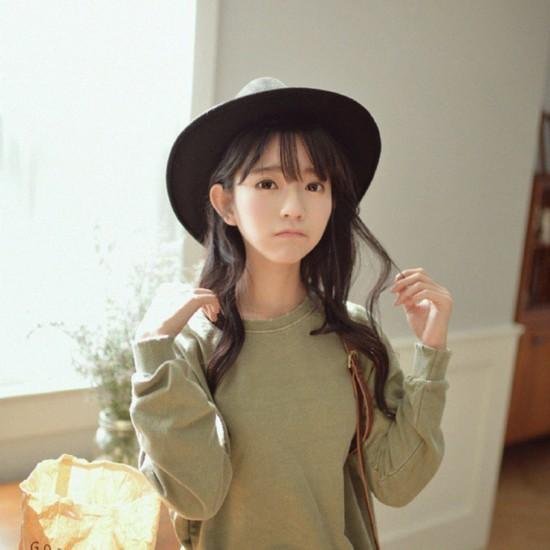 韩国人气娇娃yurisa微博粉丝破50万 五官精致成