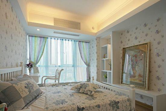 这是非常大方得体的简约田园风格欧式卧室装修效果图,12平米的小