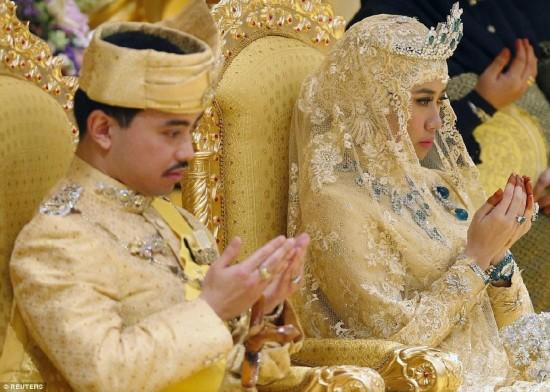 苏丹文莱王子大婚 场面极度奢华似一千零一夜