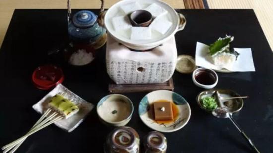 日本旅游・日本美食--京都传统做法的豆腐