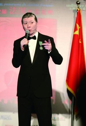 冯小刚被授予法国骑士勋章:都是徐帆的功劳(图)