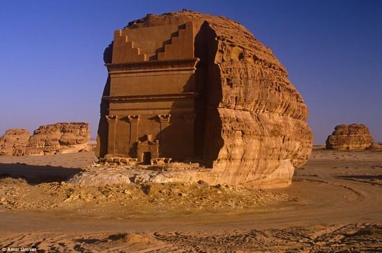 世界遗产:沙特神秘古墓屹立千年不倒