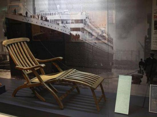泰坦尼克号沙滩椅以10万英镑成交远高估价(图)
