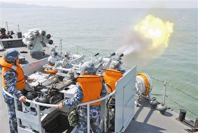 战神怒吼!北海舰队猎潜艇大队火炮射击训练(图)