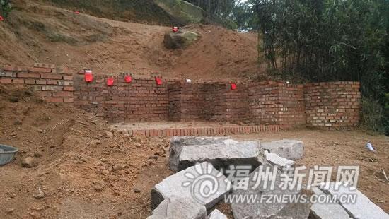长乐九龙山景区冒出活人墓 镇政府:将马上清理