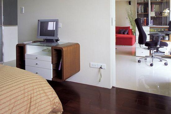 卧室客厅隔断装修效果图 卧室客厅隔断装修效果图3 双动线-卧室设计为灵活的双动线,居住者可以透过拉门的开关,轻易调整未来十年的生活型态。这样将客厅与卧室分开,也是个很不错的选择方式。