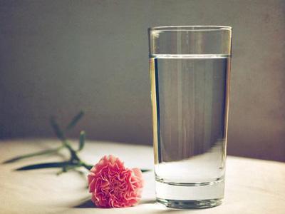身体缺水5大信号 如何补水?