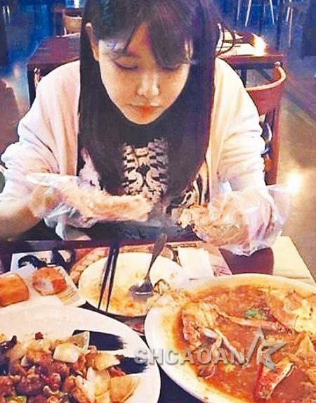 少女时代林允儿被爆劈腿林更新 大胃王崔秀英能吃整桌菜(图)