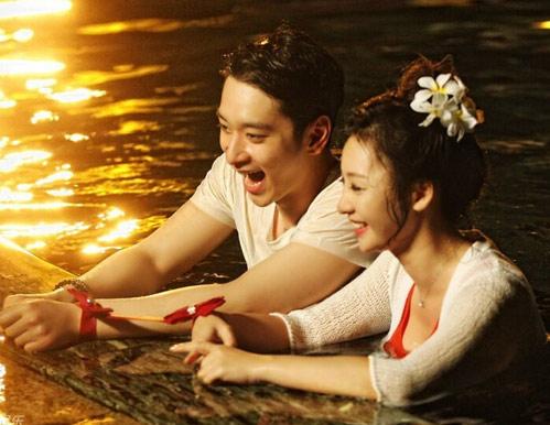 柳岩的老家湖南衡阳,漫步湘江私语的两人在浓郁夜色下献出了节目中的初吻。