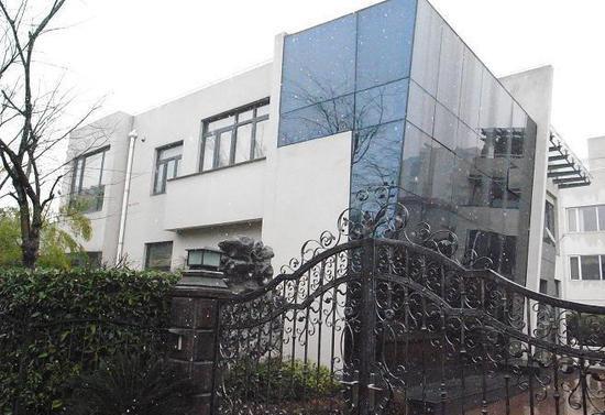 ...439平方米、6室3厅4卫、尚未装修的别墅已经被标价1450万...