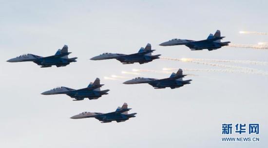 俄罗斯举行飞行表演--江西频道--人民网