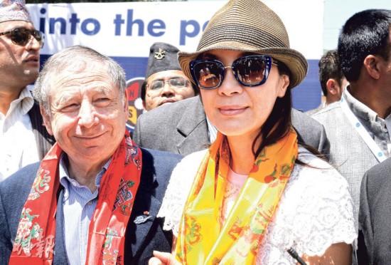 杨紫琼与未婚夫遭遇尼泊尔地震 或仍滞留当地