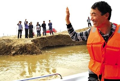 男子将31人黄河里成功救起绰号救人专业户(图)