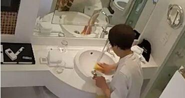 倒胃口!杭州五星酒店被曝一块布擦完马桶擦杯子