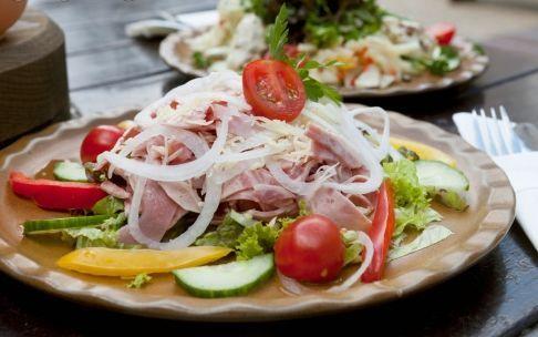 养生警惕:17种家常菜会引起身体不适