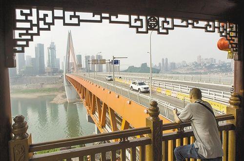 千厮门嘉陵江大桥今日正式通车 串起三大CBD图片