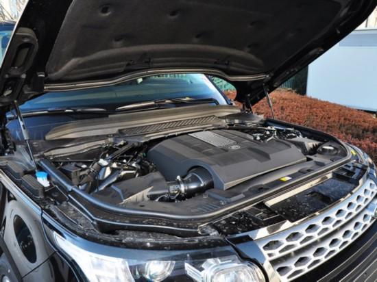 路虎  3.0 V6 发动机主体特写