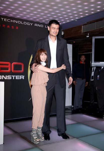 揭秘腿短女明星真实身高 看看谁的身高造假