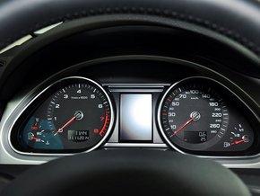 奥迪(进口)  35 TFSI quattro 方向盘后方仪表盘