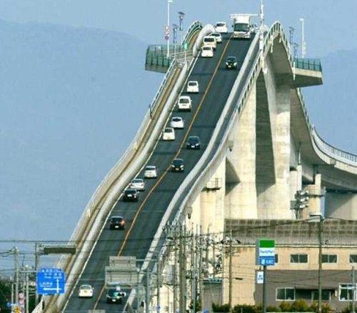 过桥还是过山车?日本江岛大桥玩儿的就是刺激