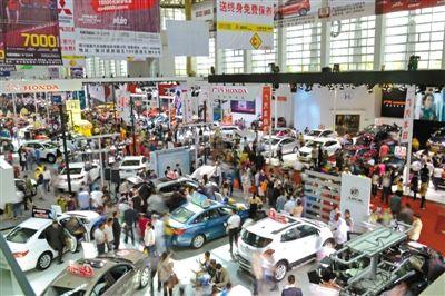 第七届房 车博览会迎来观展高峰 5月1日接待近8万人次高清图片