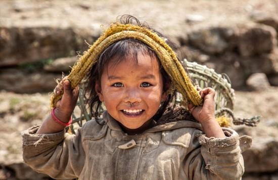摄影师出售尼泊尔魅力风光照 筹款援助地震灾民(组图)