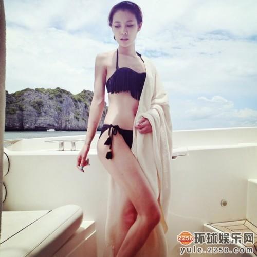 网友韩国偶遇王思聪 与两长腿美女出游
