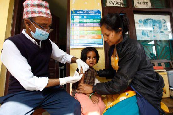 尼泊尔地震致95万儿童失学儿基会吁尽快采取措施