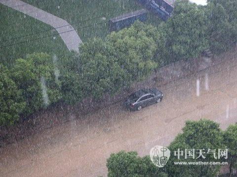 东北华北局地暴雨江南华南雨势再加强