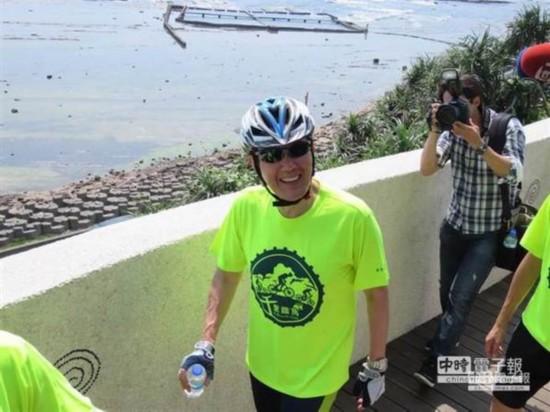 马英九遭指控心情不受影响 骑车飙至时速42公里(图)
