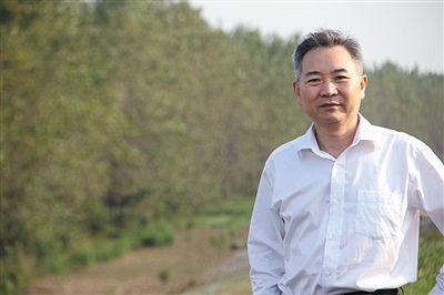 中国国际经济交流中心经济研究部部长徐洪才