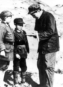 毛泽东和小八路战士谈话
