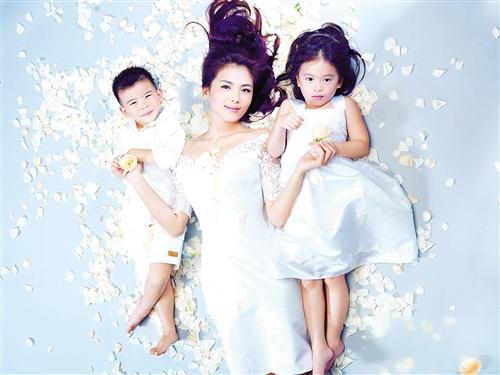 刘涛与儿女拍唯美写真 称孩子是自己的粉丝