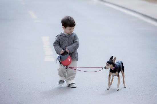 小嗯哼和小狗