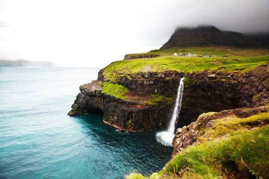 法罗群岛(the faroe islands),位于挪威和冰岛边界
