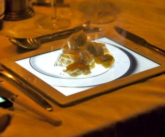 怪异食具充斥英国餐厅 ipad球鞋当餐盘