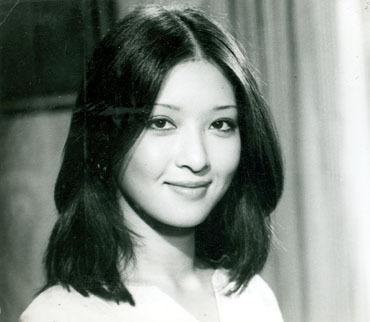 范冰冰恋经纪人高圆圆被甩 绝美女星坎坷情史
