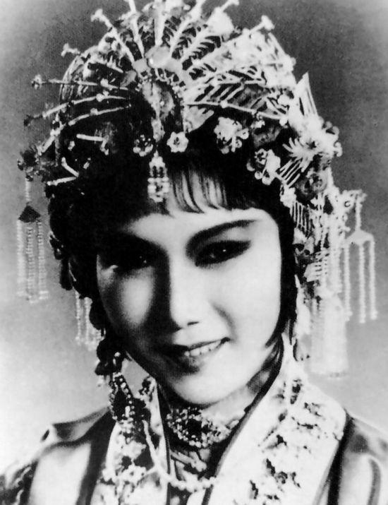 邓丽君山口百惠林青霞 回首五十年来40位女神图片