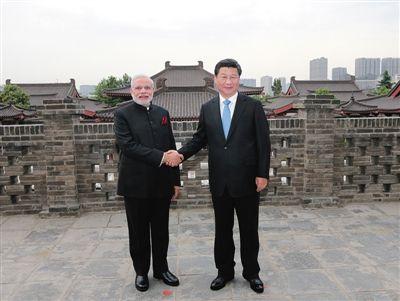 习近平在西安会见印度总理莫迪同