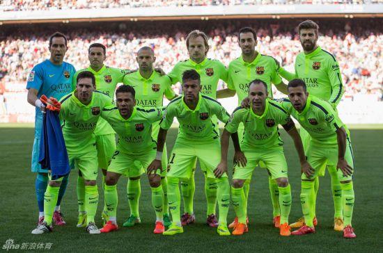 梅西助巴萨绝杀马竞 提前1轮夺西甲冠军(比赛