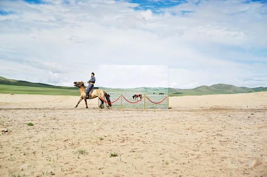 蒙古未来主义摄影警示草原荒漠化(图)【3】
