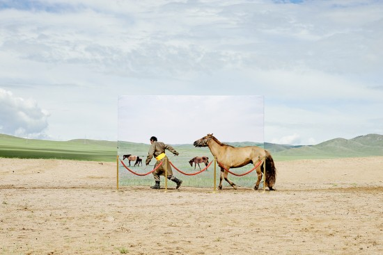蒙古未来主义摄影警示草原荒漠化(图)【2】
