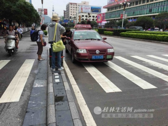 """桂林仍有出租车以""""不知道在哪""""为由拒载乘客"""