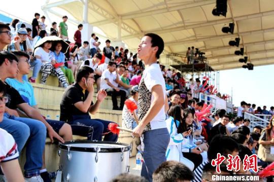 大足联赛高职组南区赛扬州开赛 学生感受足球